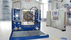 Testbenk for testing av hydraulikkenheter